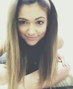 Alright i'm gonna clear things up! @Bethany Mota is my old account, I didn't use it that much so i forgot my password...thats why i created this one were i'm trying to be a bit more active and where i get some ideas from. I already said it in some of my videos so i hope this cleared things up! Love you guys ☺ ❤