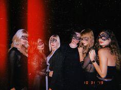 Ibiza im Oktober: So schön ist Ibiza in der Nebensaison - das war die Halloween-Party in Las Dalias Halloween Fotos, Halloween Party, Concert, Beauty, Dahlias, Halloween Night, Mediterranean Style, Vacation Places, Tourism