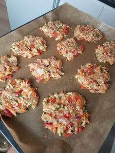 FIT placuszki drobiowe z warzywami i serem – Mocne Kalorie FIT chicken fritters with vegetables and cheese – Mocne Kalorie Healthy Meal Prep, Healthy Recipes, Good Food, Yummy Food, Best Appetizers, Diy Food, Food Inspiration, Food Photography, Food Porn