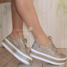 Different Types Of Sneakers – Sneaker Deals Cute Sneakers, Girls Sneakers, Girls Shoes, Shoes Sneakers, Shoes Heels, Fashion Boots, Sneakers Fashion, Hype Shoes, Dream Shoes