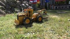 CATERPILLAR WOOD SKIDDER RC trucks  in action! BIG R/C machine FUN!