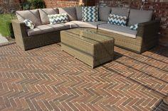 Chestnut Baksteen Clay Pavers | Modern Patio | Garden Seating | Landscaping