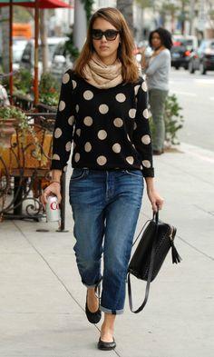 Jessica Alba polka dot sweater boyfriend jeans