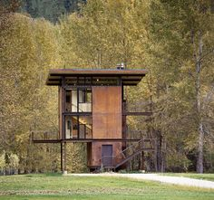 Perfil | Muebleando | Cabaña en el bosque
