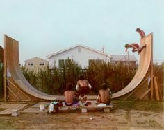 entertainment in the - homemade skate half pike Ernst Hemingway, Vintage Skateboards, Old School Skateboards, Skate And Destroy, Foto Real, Skate Style, Skate Surf, Foto Pose, Teenage Dream