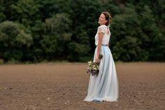 Nevěsta Andrea Kerestešová v šatech Sophistic by Veronika a kyticí z MatFlowers Design.