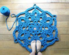 blue doily snowflake crochet rug