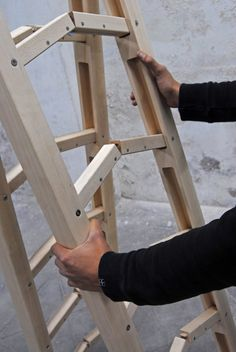 folding ladder design : would be awesome if you don't have space but need a ladder