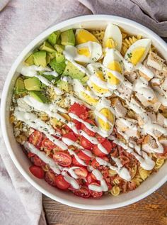 Cobb Pasta Salad combines all the favorite classic Cobb salad flavors of chic. Fried Chicken Dinner, Chicken Bacon Pasta, Easy Roast Chicken, Caprese Chicken, Rosemary Chicken, Roast Chicken Recipes, Chicken Salad, Avocado Chicken, Antipasto Pasta Salads