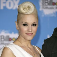 Pin for Later: Is Gwen Stefani Really 45 Years Old Today? 2006 This swirled pompadour style was polarizing; you either adored it or couldn't stand it.