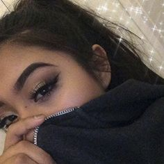 Makeuphall: The Internet`s best makeup, fashion and beauty pics are here. Snapchat Selfies, Snapchat Picture, Snapchat Ideas, Snapchat Girls, Photos Tumblr, Tumblr Selfies, Aesthetic Photo, Aesthetic Girl, Eyebrows On Fleek