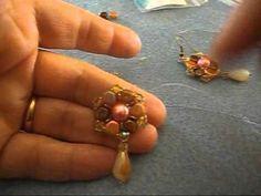 materiali occorrenti: honeycomb - rocailles 11/0 - 15/0 - perla da 8 mm - gocce - quadbead... filo fireline 0,15 - ago 12 -monachelle
