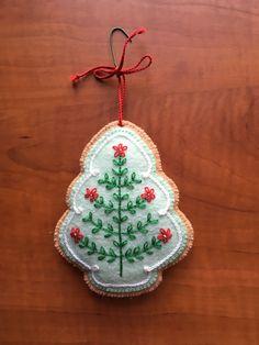 2013 Felt Embroidered Cookie Christmas Tree Ornament - from Scrap Saver's Christmas Stitchery by Sandra Lounsbury Foose #feltornaments