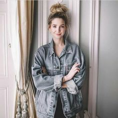 Zoe Sugg 2020 New Hairstyle Looks Natural - New Hairstyle Hairstyle Look, Cool Hairstyles, Zoella Outfits, Famous Youtubers, Zoe Sugg, Girl Online, Poses, Celebrity Dads, Beautiful Person