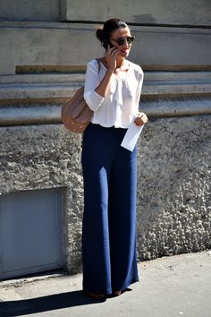 Starting to like flair jeans hmm soon to be closet wide pants outfit, fa Navy Pants Outfit, Navy Blue Pants, Mode Outfits, Fall Outfits, Casual Outfits, Fashion Outfits, Workwear Fashion, Work Fashion, Gucci Fashion
