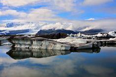 Jökulsárlón es el mayor y más conocido lago glaciar de Islandia. Está situado en el extremo sur del glaciar Vatnajökull, entre el Parque nacional Skaftafell y la ciudad de Höfn