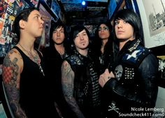 TJ looks really disturbed Escape The Fate, Ronnie Radke, Rise Against, Three Days Grace, Architecture Quotes, Women In History, Ancient History, Old Singers, Travel Humor