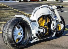 Tailpiece, painted eng and caliper Custom Street Bikes, Custom Sport Bikes, Concept Motorcycles, Cool Motorcycles, Harley Bikes, Harley Davidson Motorcycles, Moto Bike, Motorcycle Bike, Futuristic Motorcycle