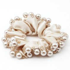 Glossy Faux Pearl Ball Decorated Satin Hair Tie Elastic Scrunchie Women Ponytail Holder - New Ideas Scrunchies, Accesorios Casual, Hair Accessories For Women, Trendy Accessories, Pearl Hair, Ponytail Holders, Satin Fabric, Hair Jewelry, Hair Ties