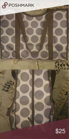 Large zip top organizing utility tote Grey mod dot. EUC Thirty -One Bags