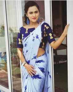 Satin Silk Printed Saree with Blouse Piece Simple Sarees, Trendy Sarees, Fancy Sarees, Saree Draping Styles, Saree Styles, Fashion Designer, Indian Designer Outfits, Sari Blouse Designs, Blouse Patterns