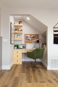 Under Basement Stairs, Office Under Stairs, Under Stairs Nook, Kitchen Under Stairs, Staircase Storage, Stair Storage, Staircase Design, Closet Storage, Home Office Design