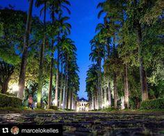 #Boanoite BH! Como não ter orgulho de uma cidade bonita assim?! Foto de: @marcelokelles  Local: Praça da Liberdade  Para ver suas fotos no @ruasdebh use #ruasdebh em seus registros! by ruasdebh