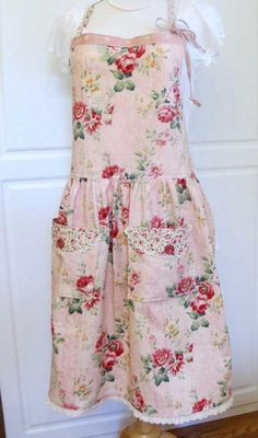 Cute shabby chic apron to go with my shabby chic kitchen