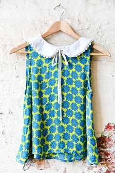 Vantage - Daisy Print Chiffon Collar Sleeveless Top, £15.00 (http://www.vantagefashion.co.uk/daisy-print-chiffon-collar-sleeveless-top/)
