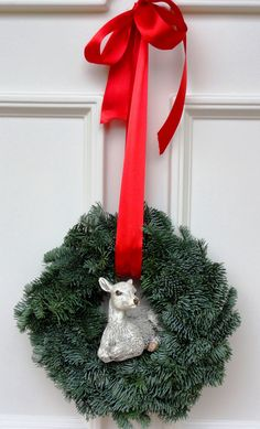 Závěsný+věnec+na+dveře+1Věnec+z+neopadavé+normandské+jedličky+s+laní.+Velikost+35-37+cm.+K+věnci+jsem+vyrobila+i+adventní+věnec+...viz+nabídka. Lany, Christmas Wreaths, Holiday Decor, Home Decor, Decoration Home, Room Decor, Home Interior Design, Home Decoration, Interior Design