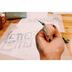 Work in progress de #Letterlina en el workshop de lettering con @martinaflor
