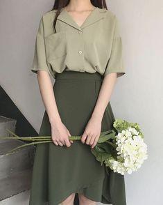 VintageArt on - - koreanische mode Korean Fashion Trends, Asian Fashion, Look Fashion, Fashion Models, Girl Fashion, Fashion Dresses, Fashion Design, Celebrities Fashion, 80s Fashion