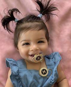 Cute Little Baby, Pretty Baby, Cute Baby Girl, Little Babies, Cute Babies, Baby Kids, Beautiful Baby Girl, Beautiful Children, Baby Girl Pictures