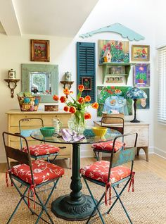 Colorful dining room filled with snazzy flea market finds 50 Cool and Creative Shabby Chic Dining Rooms
