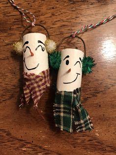 Items similar to Snowman wine cork ornament set on Etsy - Nadine Disney Diy Crafts, Diy Crafts For Teens, Diy Crafts For Gifts, Holiday Crafts, Wine Craft, Wine Cork Crafts, Wine Bottle Crafts, Crafts With Corks, Wine Cork Ornaments