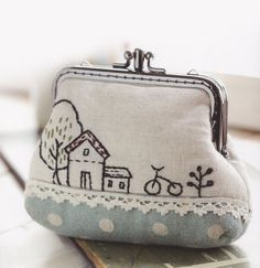 Clutch Coin purse cosmetic Bag Handbag Wallet hand embroidery stitch sewing applique patchwork quilt PDF E Patterns