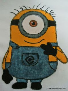 Camiseta miniom patchwork Minions, Backpacks, Bags, Fictional Characters, Tejido, Appliques, Custom T Shirts, Toss Pillows, Drawings