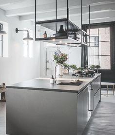 Kitchen Cabinet Layout, Kitchen Organization Pantry, White Kitchen Cabinets, Kitchen Pantry, Kitchen Backsplash, New Kitchen, Kitchen Interior, Kitchen Decor, Kitchen Design