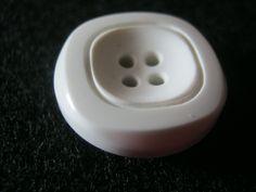 25 Stück Hosenknöpfe 4 Loch,Quadratoptik Weiß,durchmesser ca.20 mm,Neu,Lübecker…