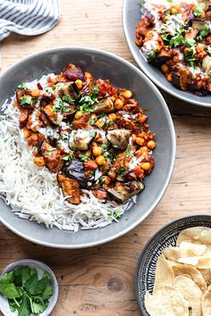 Vegan Roasted Aubergine & Chickpea Curry – Cupful of Kale - eggplant recipes Chickpea Recipes, Vegan Dinner Recipes, Veg Recipes, Vegan Dinners, Indian Food Recipes, Vegetarian Recipes, Healthy Recipes, Savoury Recipes, Recipies