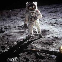 Happy Birthday Buzz Aldrin! Apollo 11, Space Images, Space Photos, Strategisches Marketing, Coaching, Nasa Photos, Business Coach, Buzz Aldrin, Neil Armstrong