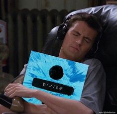 Image uploaded by sophieboo. Find images and videos about music, friends and ed sheeran on We Heart It - the app to get lost in what you love. Ed Sheeran Memes, Ed Sheeran Lyrics, Ed Sheeran Love, Playlists, Divide Ed Sheeran, Listening To Music, Singing, League Memes, Chandler Bing
