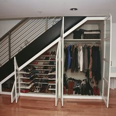 Wondering how to creatively utilize the space under stairs? You can make there a play house, bathroom, garden or even a home office. Staircase Storage, Stair Storage, Staircase Design, Closet Under Stairs, Space Under Stairs, Modern Closet, Basement Bedrooms, Kids Bedroom, House Stairs
