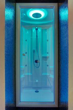 Cleopatra opent Wellness Experience Center. Eerst proberen en dan pas kopen! De beste badkamer ideeën | UW-badkamer.nl #Cleopatra #wellness #stoomdouche