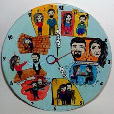 Sevgililer için özel tasarlanmış kişiye özel anılardan oluşan yıl dönümü hediyesi 40x40 cm boylarında el yapımıdır.