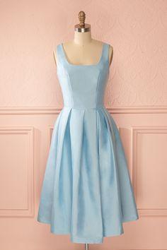 Robe trapèze mi-longue bleu poudre ceinture boucle pêche - Vintage inspired a-line mid-length powder blue dress peach bow belt