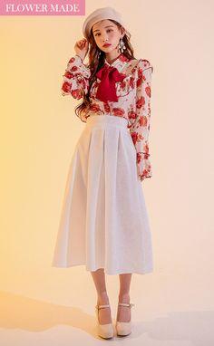 Daily Fashion, Everyday Fashion, Fashion Beauty, Kpop Fashion, Kpop Outfits, Retro Outfits, Fashion Poses, Fashion Dresses, Fashion Fabric