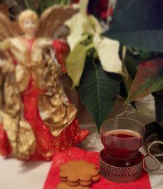 Vielä on joulua jäljellä #joulu #joulunaika #xmastime #glögi #piparit #iittala #tsaikka #lifeisgood #lifestyleblogger #nelkytplusblogit #åblogit #ladyofthemess