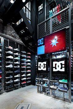 DC store design, Osaka Japa - DC store design, Osaka Japa Source by mkwlive - Shoe Store Design, Clothing Store Design, Retail Store Design, Retail Shop, Garage Interior, Retail Interior, Osaka, Sneaker Stores, Gym Design