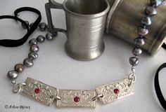 Anne Boleyn Silver and Pearls Necklace -